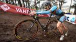 Encuentran un motor escondido en bicicleta de competidora del Mundial de ciclocross. (EFE)
