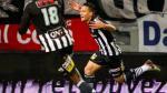 Cristian Benavente se llevó cuatro rivales y anotó un golazo para Charleroi. (Agencias)