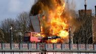 Un falsa explosión para nuevo filme de Jackie Chan provocó pánico en Londres. (AP)