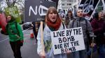 Inglaterra: Miles de personas marchan contra las armas nucleares en Londres [Fotos] - Noticias de jackie chan