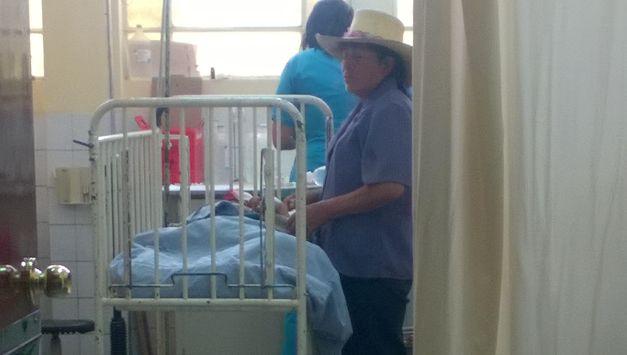 Niño se recupera en hospital Honorio Delgado Espinoza. (Miguel Idme)