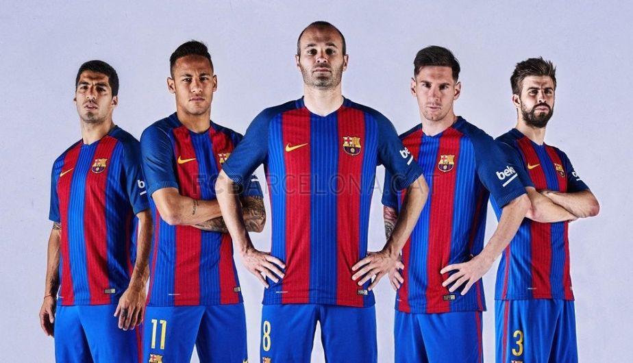 Barcelona Presentó Su Nueva Camiseta Para La Temporada