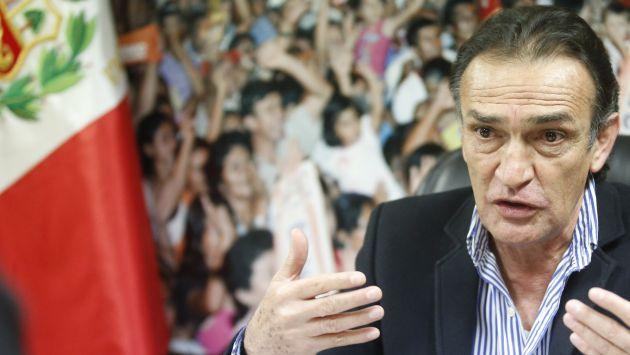 Frente Amplio o APP no pueden presidir Fiscalización, según Héctor Becerril