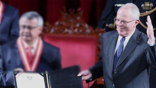 PPK recibió sus credenciales de presidente de la República