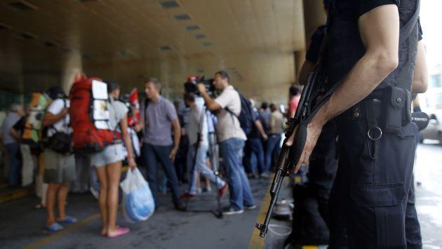 La policía de Turquía detuvo a 13 sospechosos tras el atentado de Estambul. (AP)