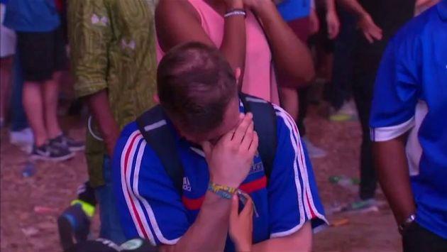 YouTube: Niño portugués consuela a hincha francés que llora tras la final de la Eurocopa 2016. (Euronews)