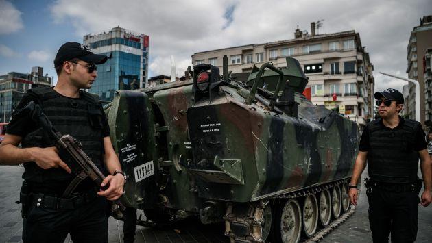 Detenciones en Turquía se elevan a 6,000 y proponen restablecer la pena de muerte. (AFP)