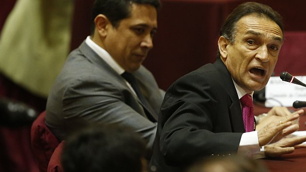 Becerril pide a Fiscalización que investigue a Nadine Heredia por usurpación de funciones