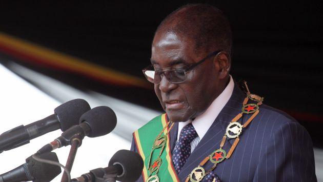 """""""Hemos desperdiciado el dinero del país en estas ratas que llamamos atletas"""", dijo Robert Mugabe, presidente de Zimbabue. (AP)"""