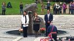 Ministra Marisol Pérez Tello lideró la ceremonia en el monumento 'El ojo que llora'.