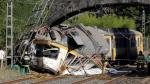 España: Al menos 4 muertos y 47 heridos en descarrilamiento de tren [Fotos y video] - Noticias de desiree beech nunez