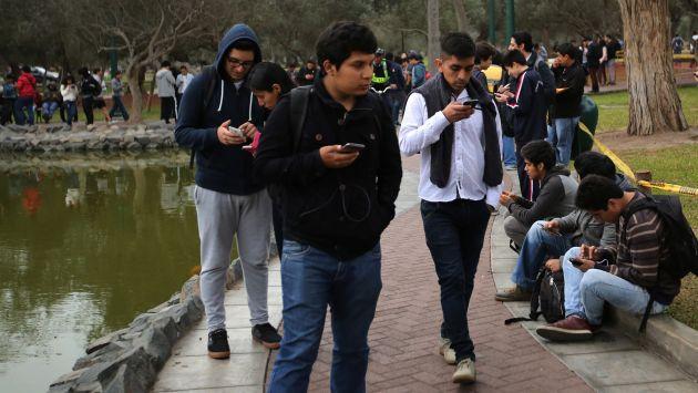 Genera controversia. Aseguran que jugadores invaden jardines y dejan el lugar hecho un muladar. (Reuters)