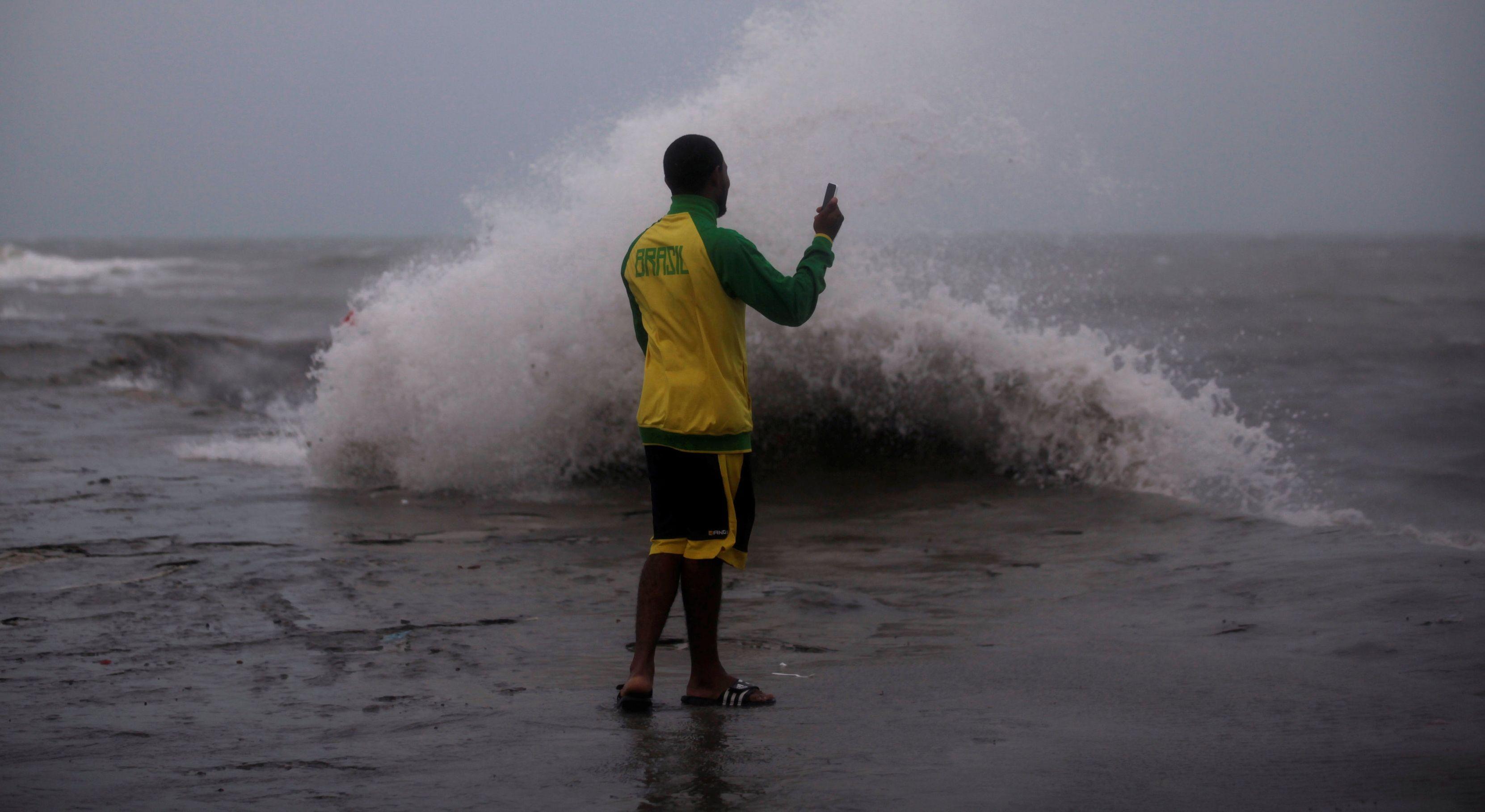 Peligro inminente para la región oriental de Cuba — Matthew