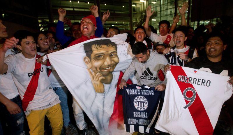 A qué hora juega Perú ante Chile