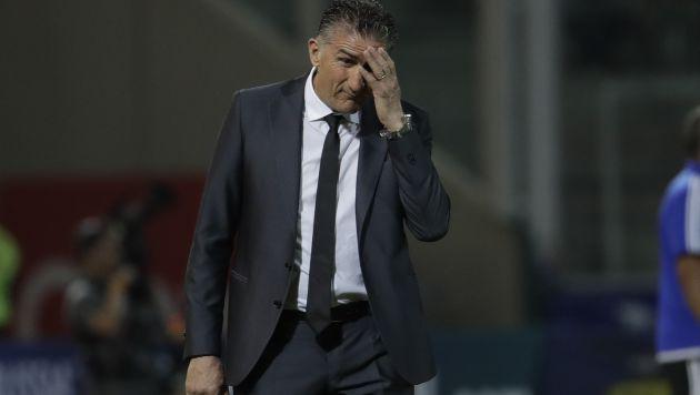 No tiene paz. DT argentino solo sumó cinco de doce puntos. (AP)