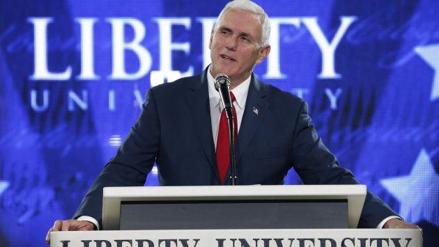 Declara. Pence pone paños fríos a la campaña republicana. (AP)
