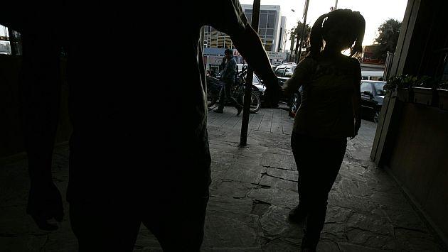 Condenan a cadena perpetua a sujeto que abusó sexualmente de sus hijastras de 7 y 9 años. (USI)