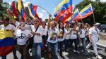 Mujeres lideraron marcha para exigir la restitución del régimen constitucional (AFP).