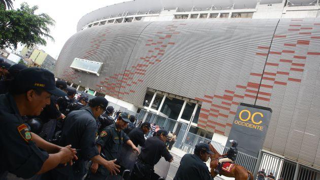 Unos 1,500 policías resguardarán la seguridad antes, durante y después del partido Perú vs. Brasil. (USI)