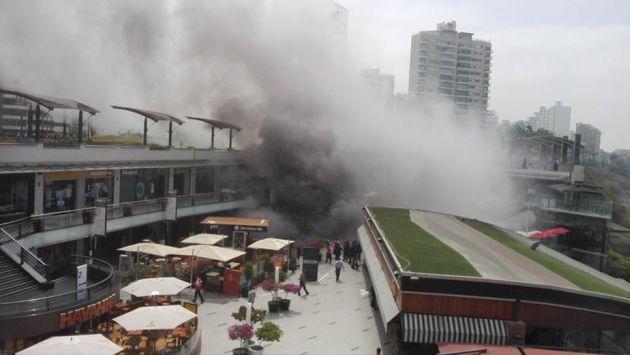 Testigo del incendio en Larcomar relató cómo logró escapar una de las salas de cine. (Peru.com)