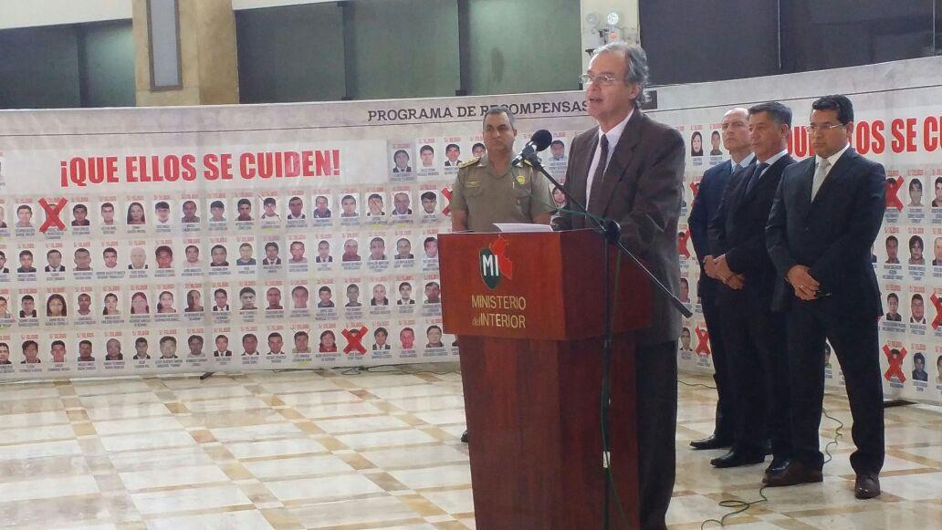 Anuncio lo hizo Carlos Basombrío junto al director de la PNP, Vicente Romero. (Fabiola Valle/Perú21)