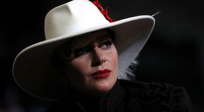 Lady Gaga no dudó en mostrar su pesar por el precio de la fama. (AFP)