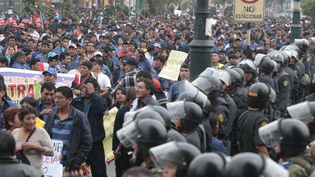 Andahuaylas: Contralor aclaró que comitiva se quedó dentro de universidad por medidas de seguridad. (Perú21)