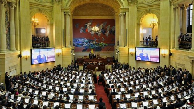 Congreso de Colombia refrendó por unanimidad el acuerdo de paz con las FARC. (BBC)