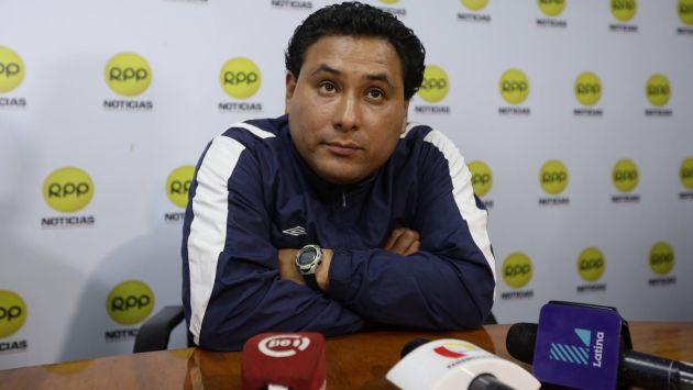 Alega inocencia. Trabajador de productora se presentó a la Fiscalía con su abogado. (Anthony Niño de Guzmán)