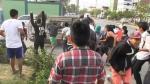 Descontrol. Vecinos de Huaycán causaron destrozos e hirieron a siete policías con piedras y palos. (USI)