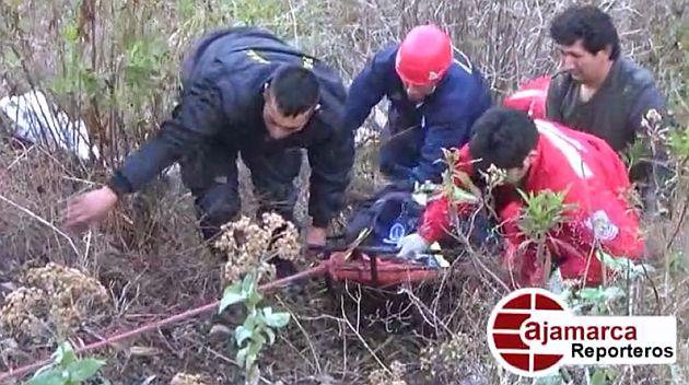 Cajamarca: Ambulancia que llevaba a dos embarazadas se cayó a un abismo de 100 metros. (Cajamarca reporteros)
