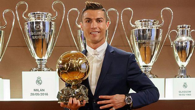 Cristiano Ronaldo ganó por cuarta vez el balón de oro. (@realmadriden)
