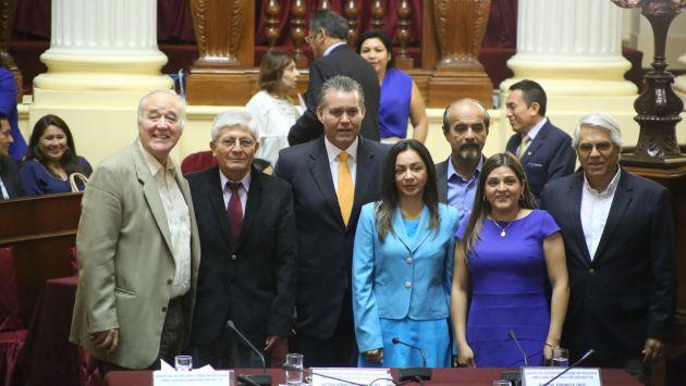Listos para trabajar. La formación de este grupo fue aprobada por el Pleno en noviembre. Desde ahí corren los 180 días. (Perú21)