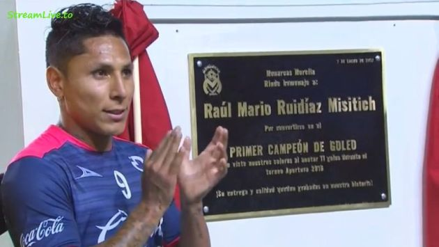 Raúl Ruidíaz recibió placa honorífica de parte del Monarcas Morelia. (@embaj_criollos )