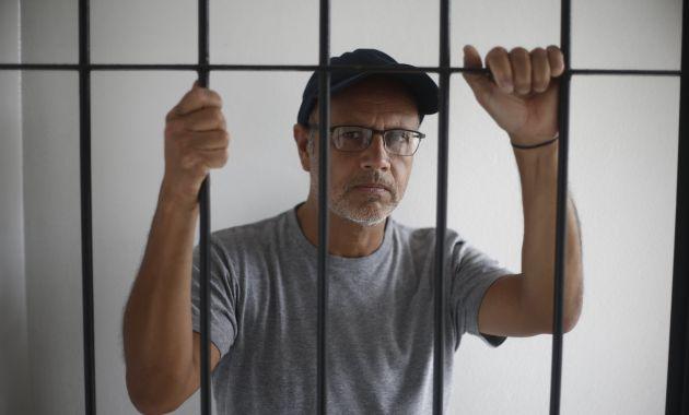 Mar de Copas versiona la canción Los Días y las Sombras (Renzo Salazar).
