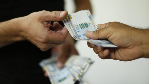 Trabajadores del sector público recibirán bono. (Karen Zarate)