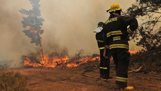 Incendio Valparaíso: Emergencia obligó a evacuar cárcel de mujeres en la zona. (USI)