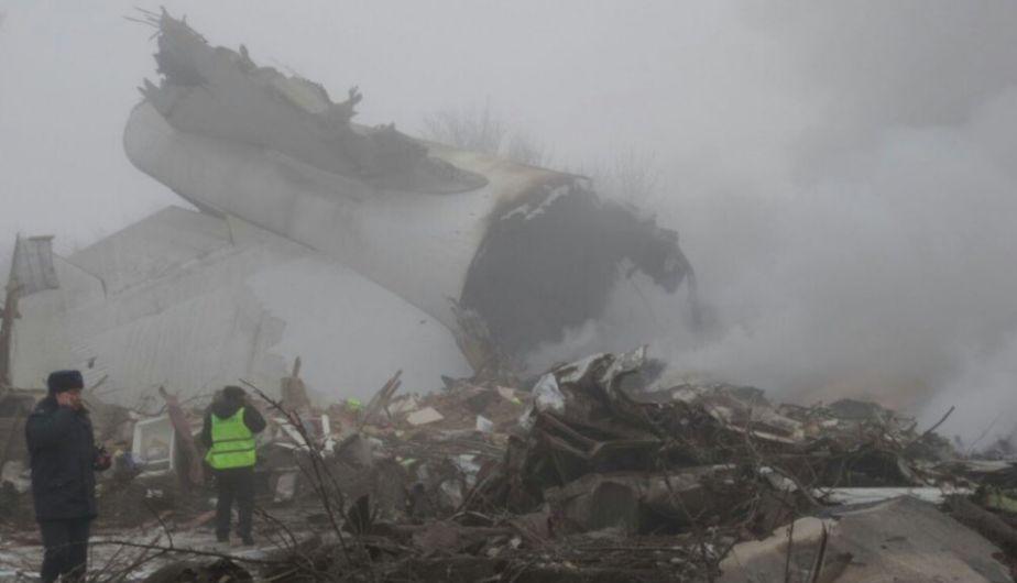 Accidente aéreo deja al menos 37 muertos en Kirguistán