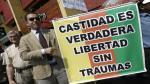 Activistas se manifiestan frente al Congreso en defensa de la comunidad LGBTI - Noticias de carlos alberto