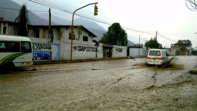 Chaclacayo: Nuevo huaico impide el tránsito en Carretera Central. (Twitter/Kayanga2)
