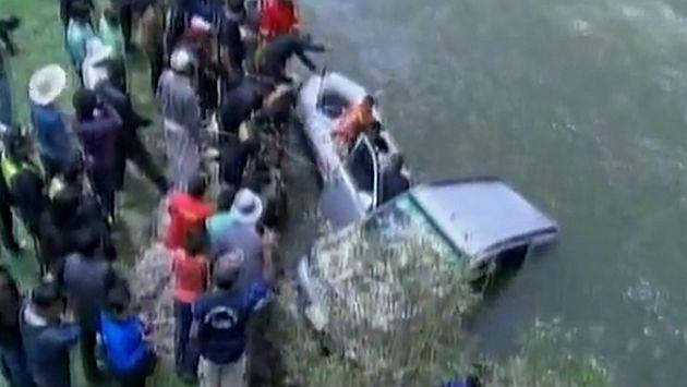 Junín: cuatro fallecidos tras caída de un vehículo al río. (Captura)