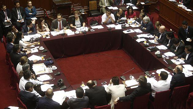 Piden derogar decreto que plantea contratación de bachilleres en el Estado. (Renzo Salazar)