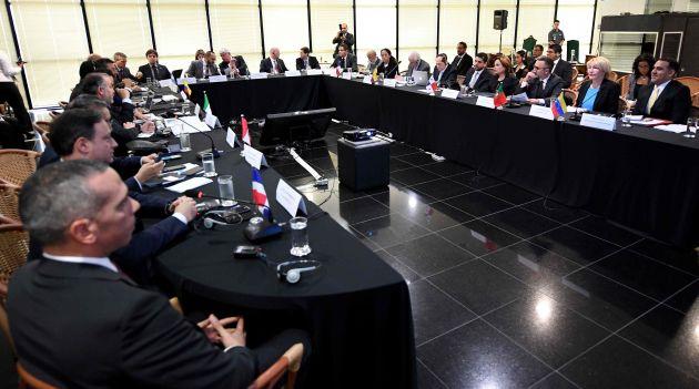 El acuerdo contiene 8 puntos que tendrán que cumplir cada uno de los ministerios públicos de cada país. (AFP)