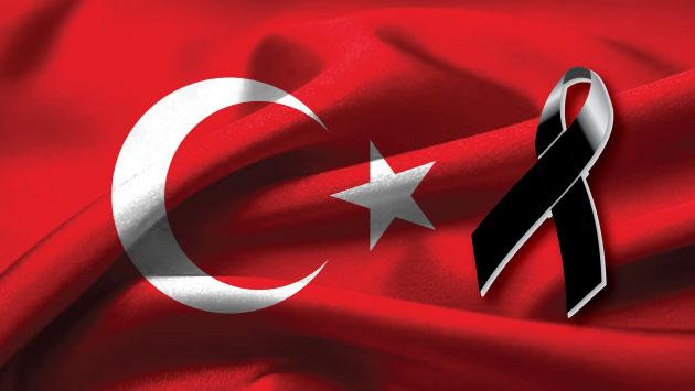 No cesa la violencia en Turquía. (Composición)