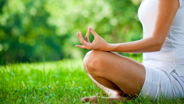 Meditar ayuda a reducir el estrés. (Yoga Ashram)