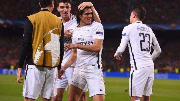 Edinson Cavani puso el 3-1 para el PSG y hace más difícil la remontada del Barcelona. (AFP)