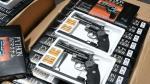 Incautan mil réplicas de revólver magnum 357 en el Callao - Noticias de sucamec
