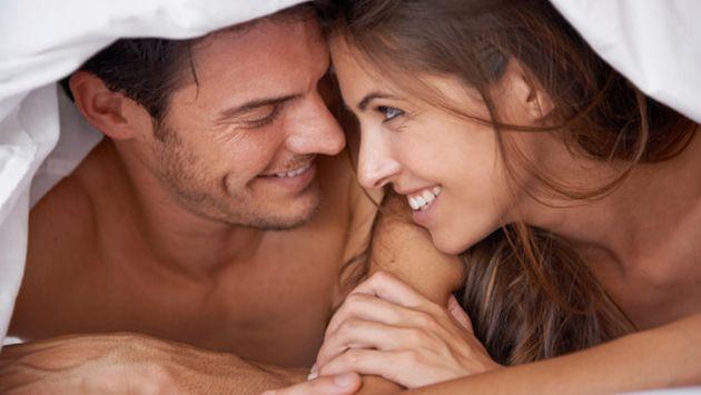 La psicóloga María Contreras aconseja estimular los cinco sentido durante una relación sexual. (Getty)