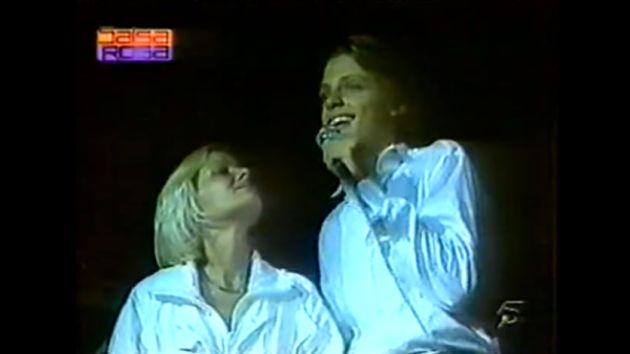 El vídeo es de una presentación de 1985, meses antes de la desaparición de su madre. (Captura)