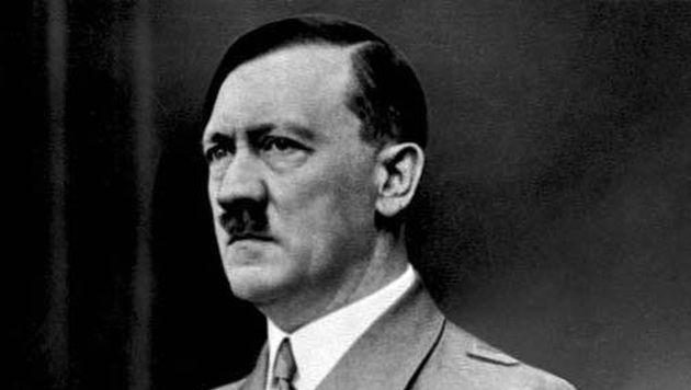 Pintura de Adolf Hitler causa revuelo en exhibición (Captura)